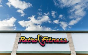 Retro Fitness Vaccination Offer